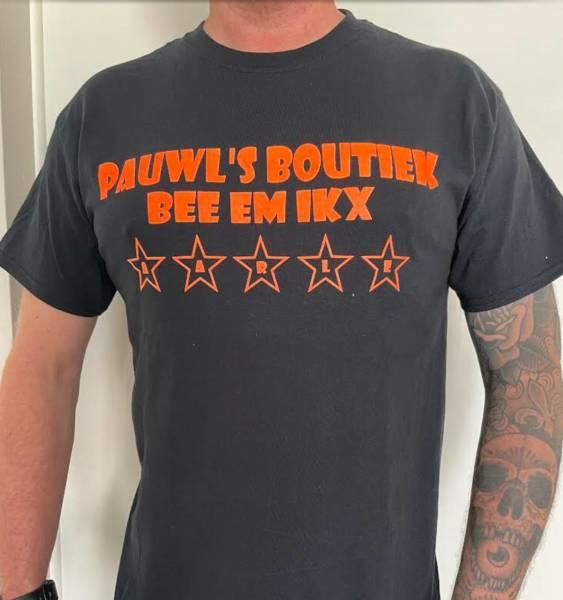 """PAUL'S BOUTIQUE YOUTH T-SHIRT """" PAUWL'S BOUTIEK"""" M , L or XL Black"""